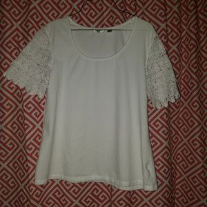 Liz Claiborne white pullover top with as L